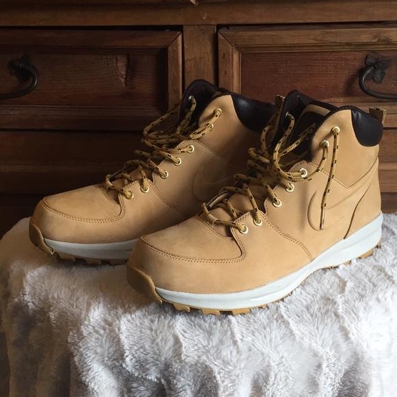 Men's tan ACG Nike boots, SZ 13. Very lightweight